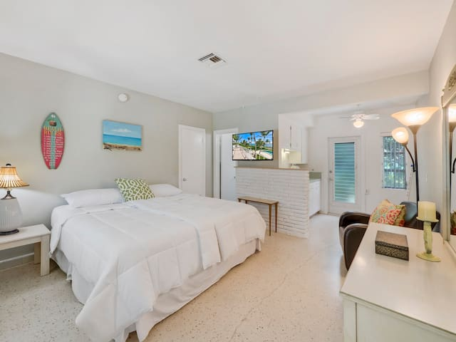 Portside, Unit 5/6 - Palm Beach Shores - Hotel butik