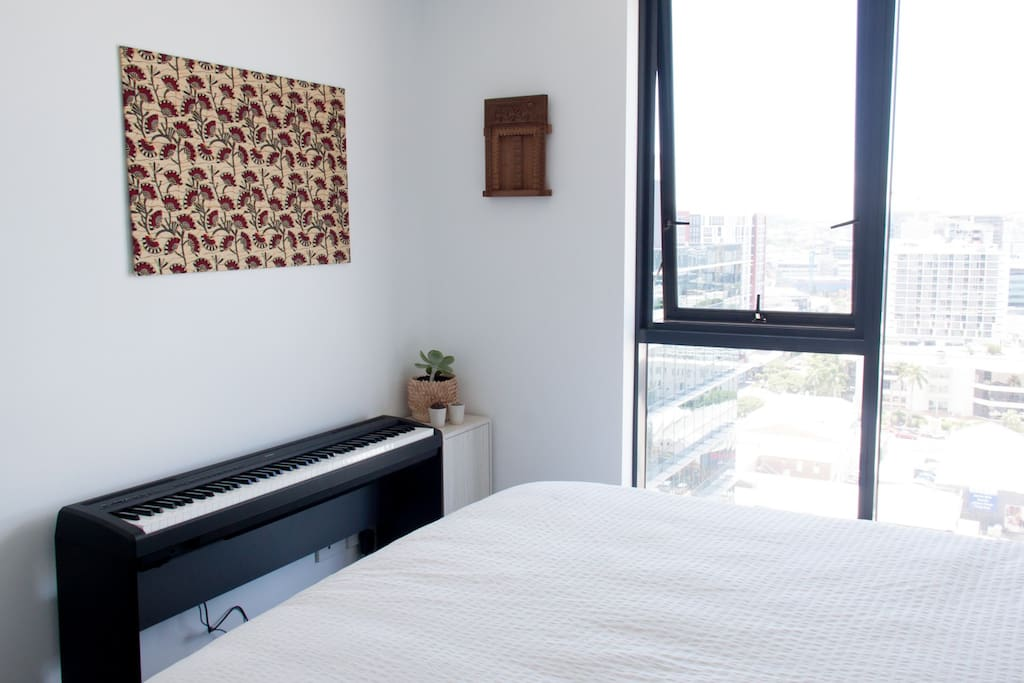 Master bedroom - electric piano!