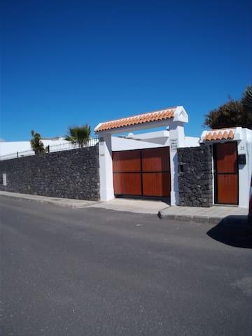 Finca Ribera de Cortes nº 1 - Nazaret - House