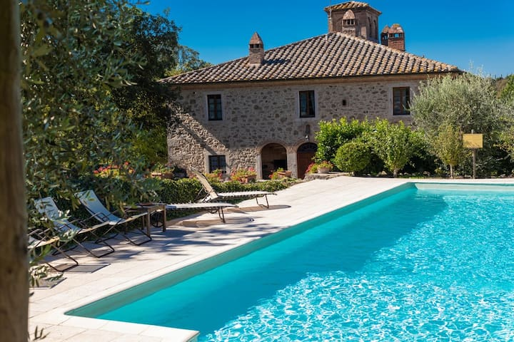 2 km from Terme apartment in a Tuscan farmhouse