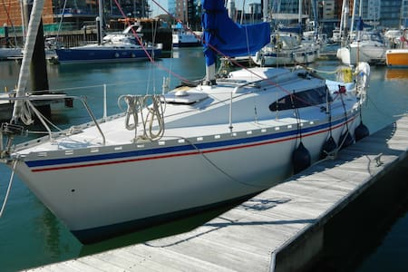 Yacht in Ocean Village + parking - Southampton - Boat