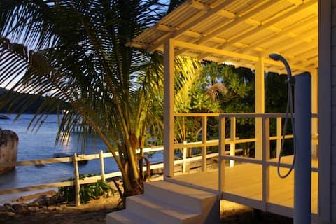 Nongkat Island Beach Cottage (Napoleon)
