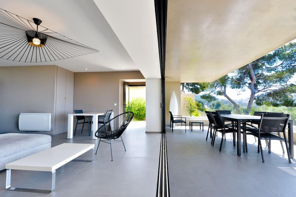Vue mer magique villa piscine exception plage 5mn villas for Garage citroen saint cyr sur mer