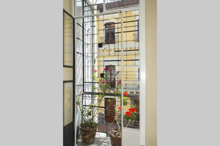 Habitación Familiar con Balcón