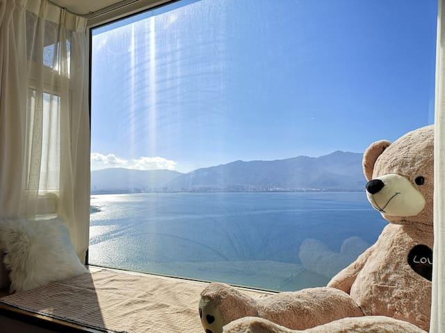 免费停车+【听风2】海景2居室+无敌海景浴缸+空调+近机场+180度超宽海景