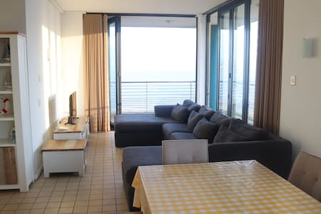Durban Waterfront - On the Beach, Spacious 3 Bed