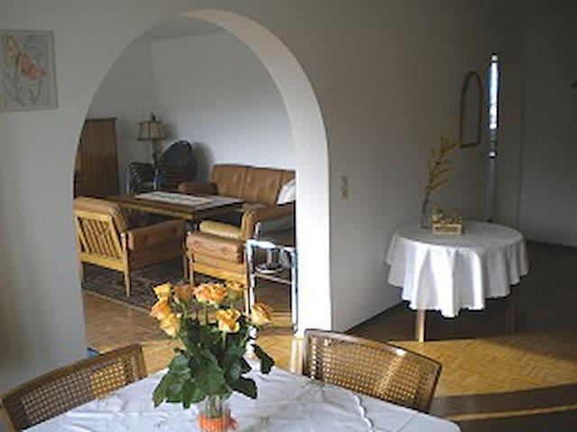 Ferienwohnung Elvira Gaedtke, (Allensbach), Ferienwohnung, 70qm, 1 Schlafzimmer, max. 3 Personen