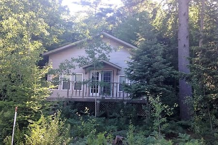 Cozy Balm Beach Cottage - Balm Beach - Kabin