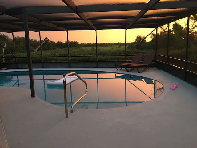 Gorgeous, private, canal, pool home