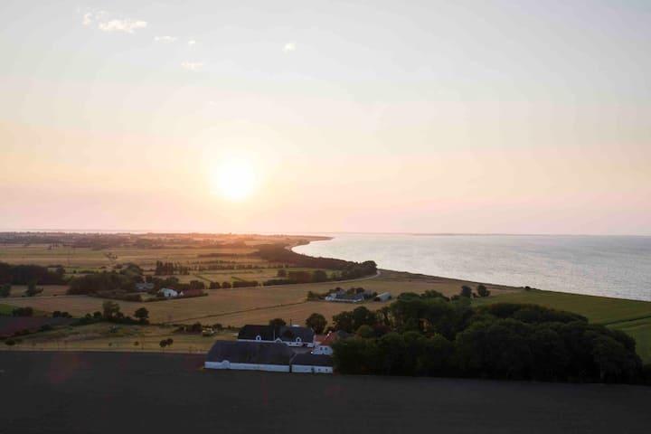 Med udsigt til Østersøen. Gravendal - værelse 1