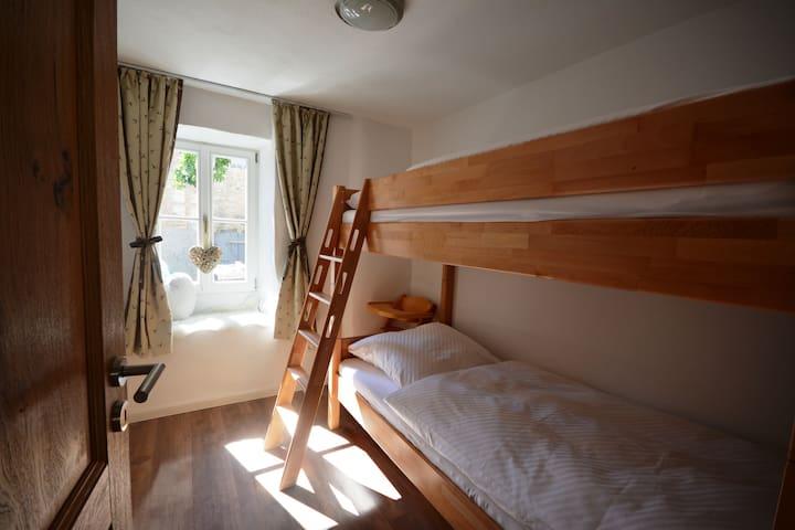 Kinderzimmer Ferienwohnung Peter mit Etagenbett