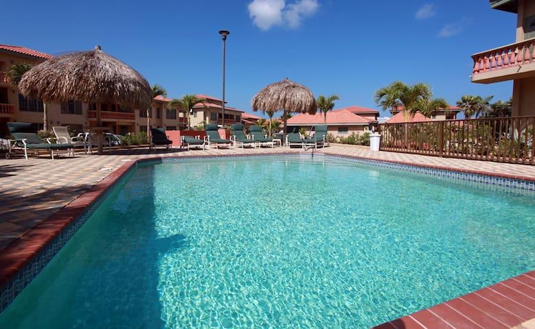 Kalm Villa sleeps 2-6 in sunny Aruba