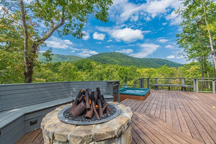 Luxury Log Cabin with Mountain View | Hot Tub | 3 BR 2 BA | Sauna | Steam Shower