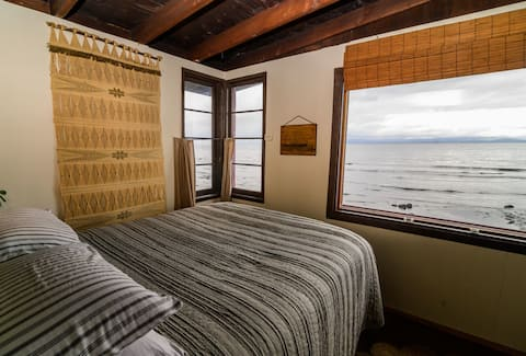 Beach Front Cabin Miles Away From Stress- PNW CQ