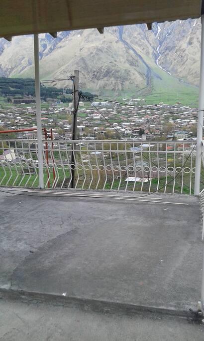 Вид из балкона.Пасёлок казбеги