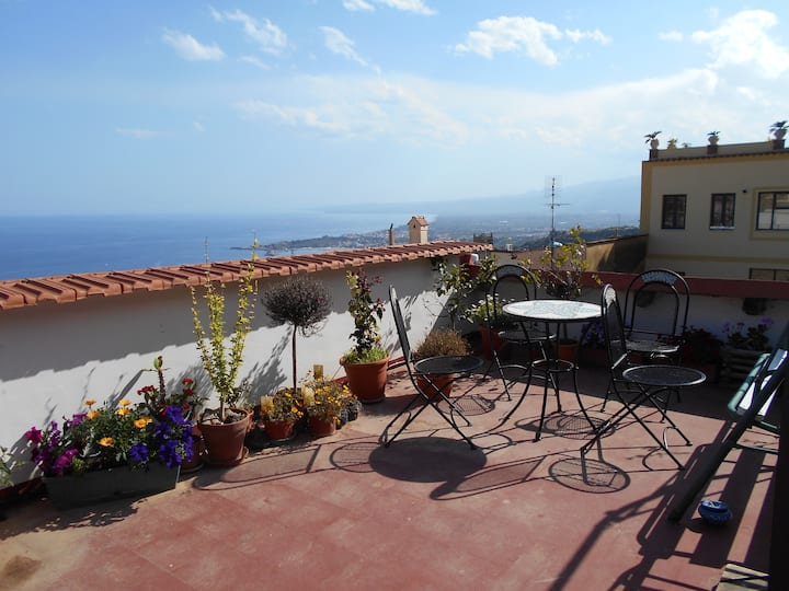 Taormina Flats Panoramic Sea View