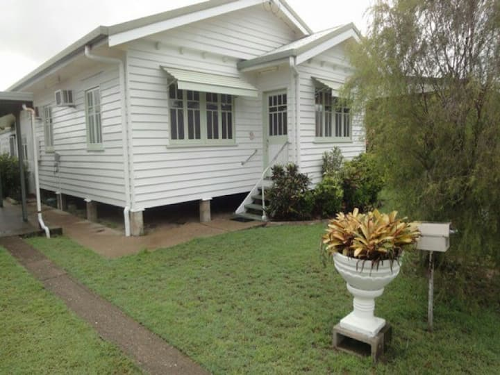 Cairns Central-Room for caravan too
