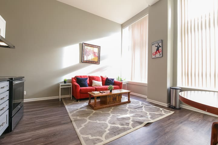 Thrilling 2BR Apartment in Downtown Denver
