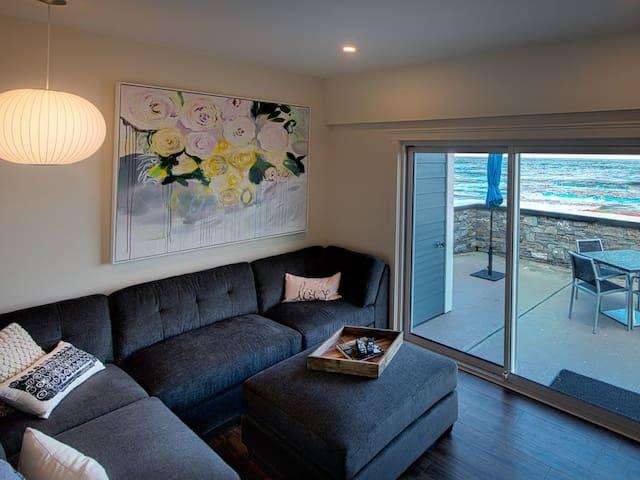 Luxury Oceanfront Suite #5