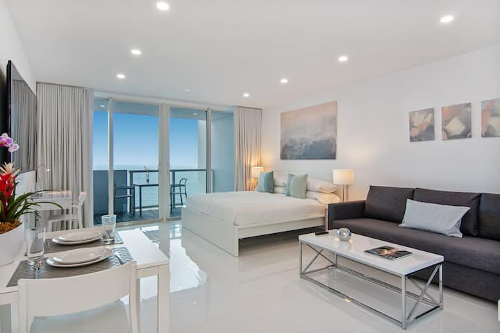 Oceanfront 17th Floor New Beachfront Flat Balcony