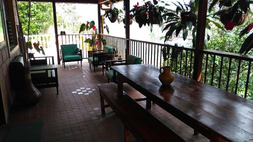 Maravillosa Casa de Campo  con vista Girardota - Girardota