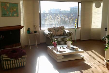 Habitación cómoda y acogedora, excelente ubicación - Bogotá