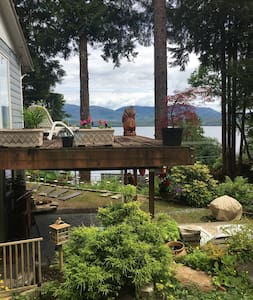 7565 2 rooms,Water view, landscaped, cozy,private