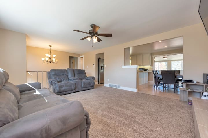 Gorgeous, spacious and well furnished 4BR Home