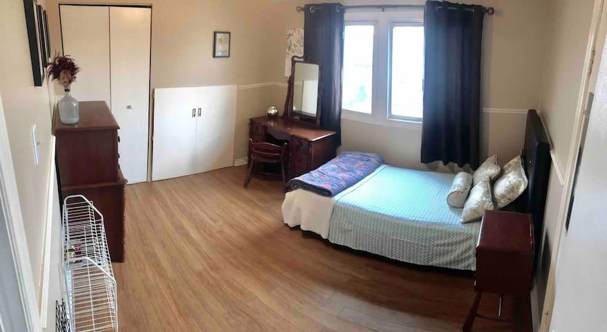 Single bedroom in Homeside, Hamilton (2)