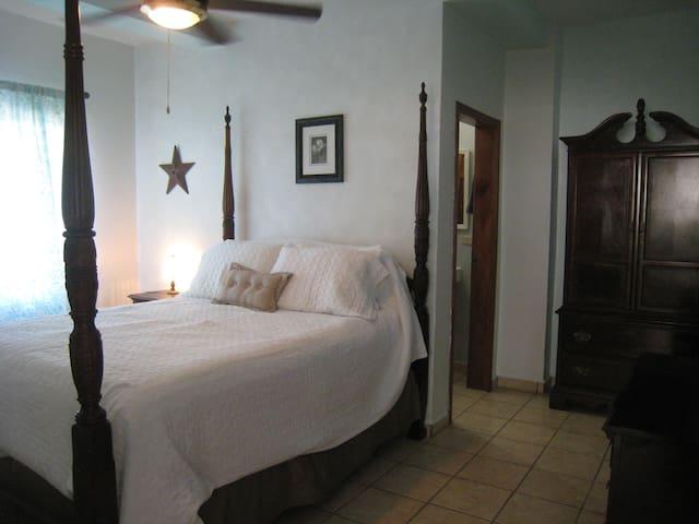 Ocean Room at Diving Pelican Inn - Sambo Creek - Dům pro hosty