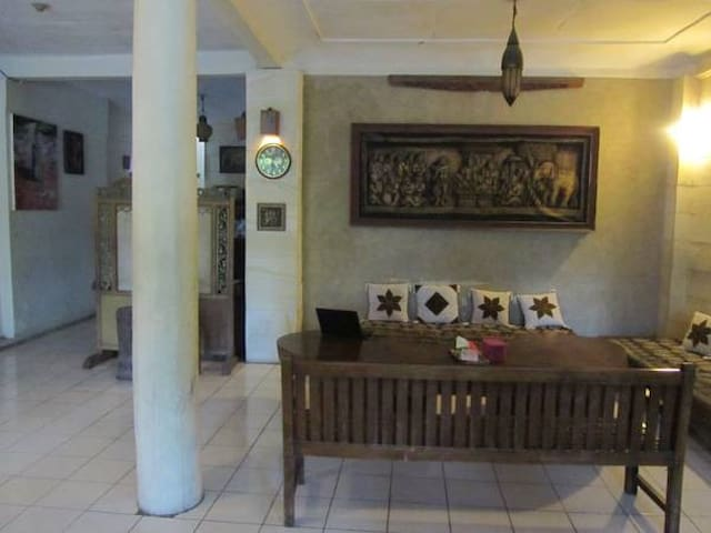 Lotus 2 Homestay - Borobudur - Bed & Breakfast