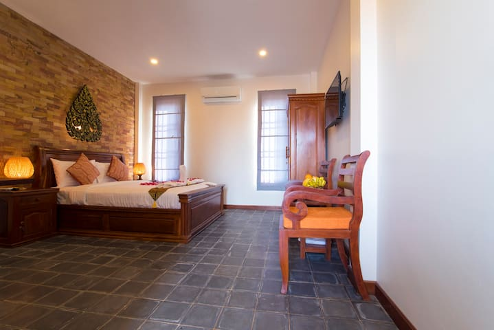 Walking Distance: Private Deluxe Room - Krong Siem Reap - Apartment