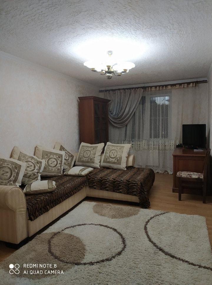 Двух комнатная двух этажная квартира