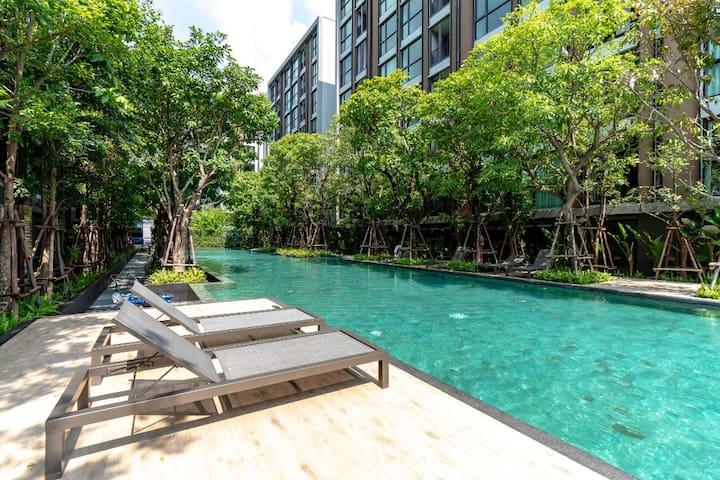 免清洁费 曼谷市中心豪华日式温泉酒店公寓bts thonglo 本地小吃市场 免清洁费