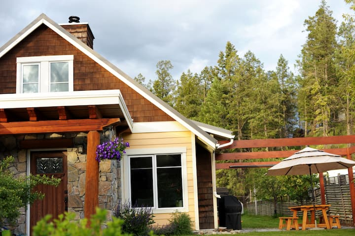 Custom Mountain Home in Invermere