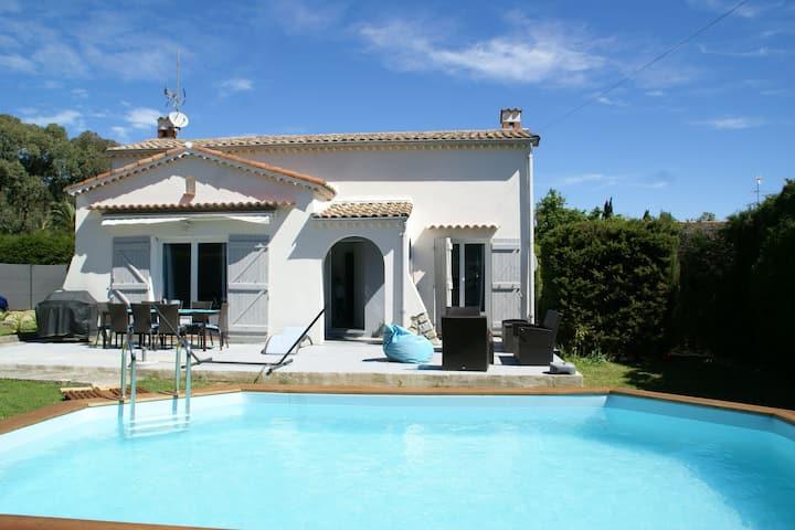 Villa with private swimming pool, trampoline, Côte d'Azur.