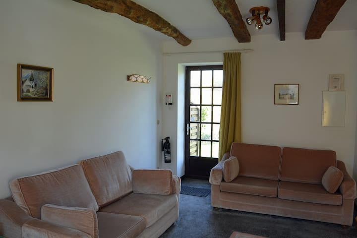 1 Bedroom cottage, with heated pool - Jugon-les-Lacs