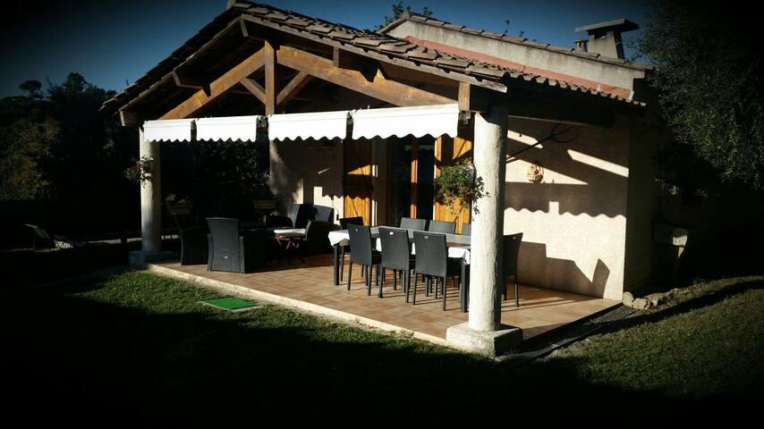 Maison individuelle avec piscine - Callas - House