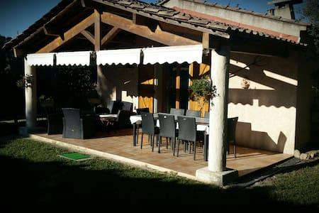Maison individuelle avec piscine - Callas