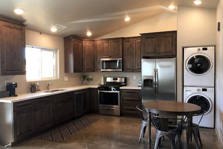 Brand new 2 bedroom 1 bath private guesthouse