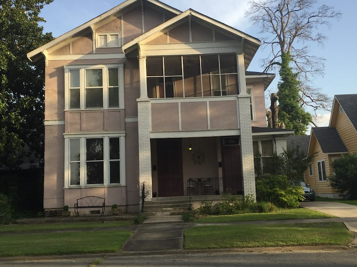 Feel @home in spacious, eclectic, & historic 2Br!