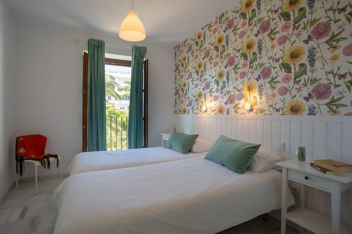 Cozy&Comfort Apartment(Wifi I Friends I Free Tour)