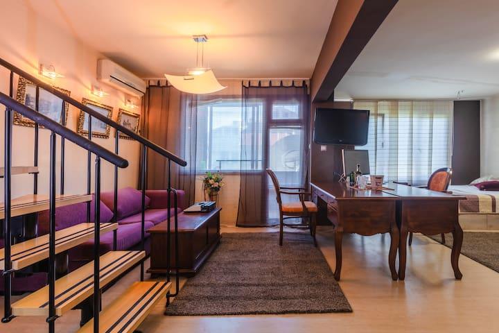 Burgas Downtown Maisonette Apartments