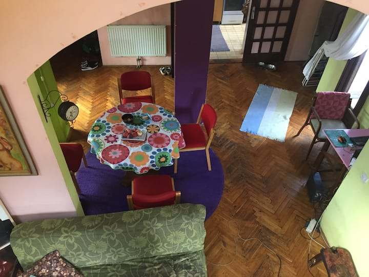 Quiet room in spacious shared appartement