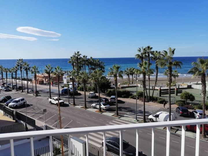 Estudio Faro Torrox-1ª linea de playa