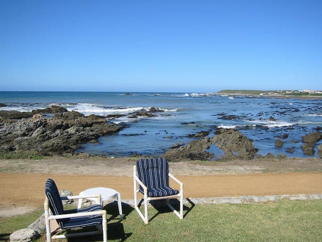 House 10 meters from the sea - Hermanus - Hus
