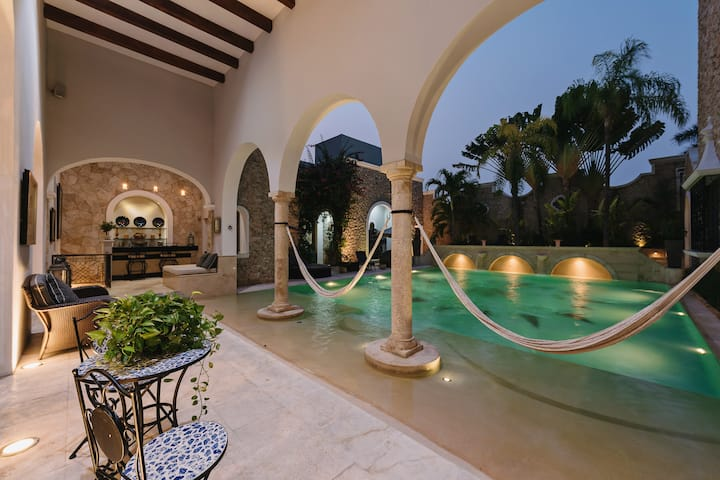 Luxurious retreat at Casa Merida