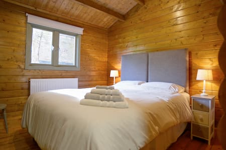 Luxurious log cabin - Guyhirn - Cabanya