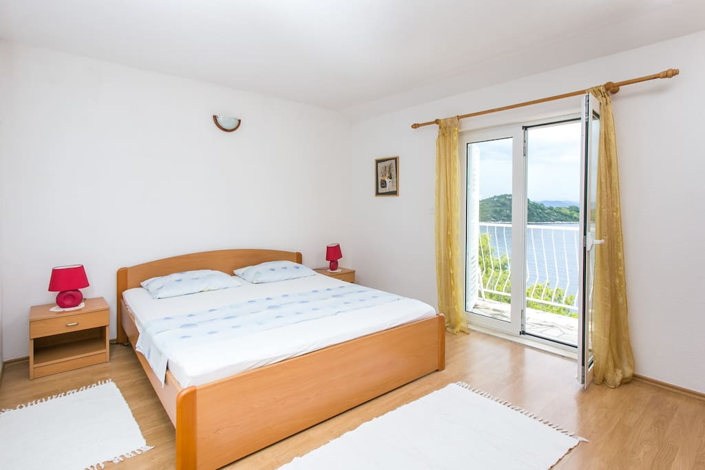 Bedroom #1 with a sea view