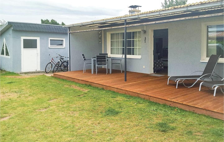 Holiday cottage with 2 bedrooms on 35m² in Hohen Wieschendorf